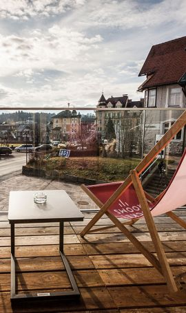 Hotel with balcony in Velden